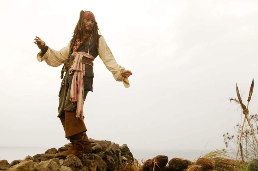 Dreadlocks, maquillage, attitude dégingandée... Le pirate Jack Sparrow est né