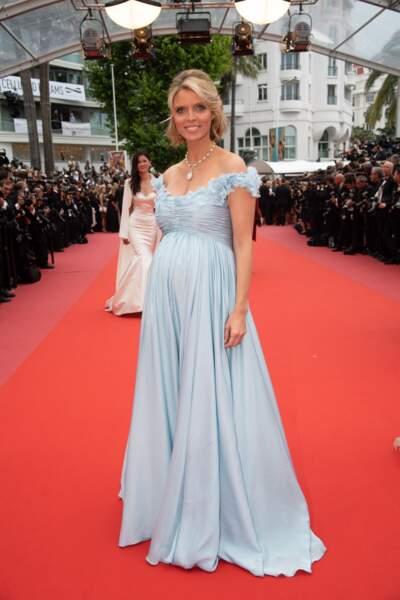 Et elle avait elle aussi une robe longue absolument incroyable