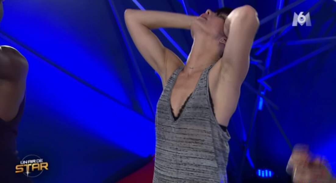 Delphine Chanéac doit imiter Kylie Minogue, et ça lui prend grave la tête !