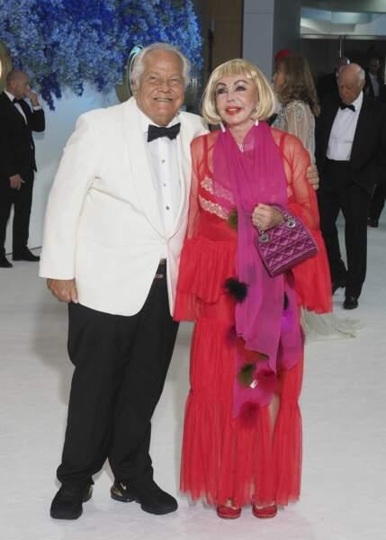 Massimo Gargia et une amie au gala de la Croix Rouge