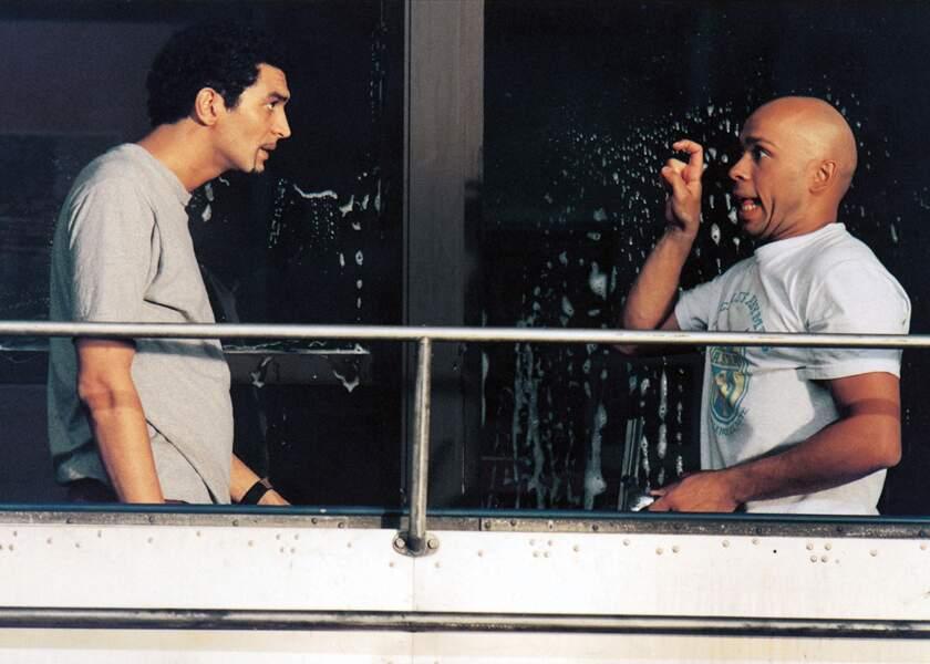 Eric Judor et Ramzy Bédia dans La Tour Montparnasse infernale (2001)
