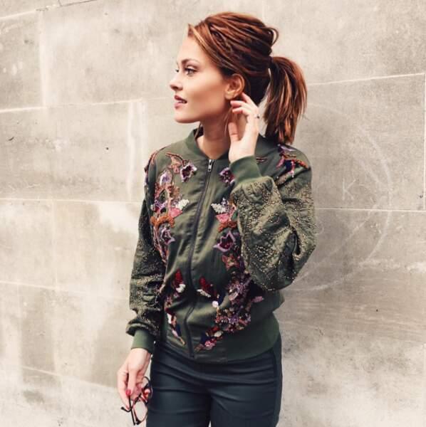 En parlant de vert, voici la nouvelle veste automnale de Caroline Receveur.