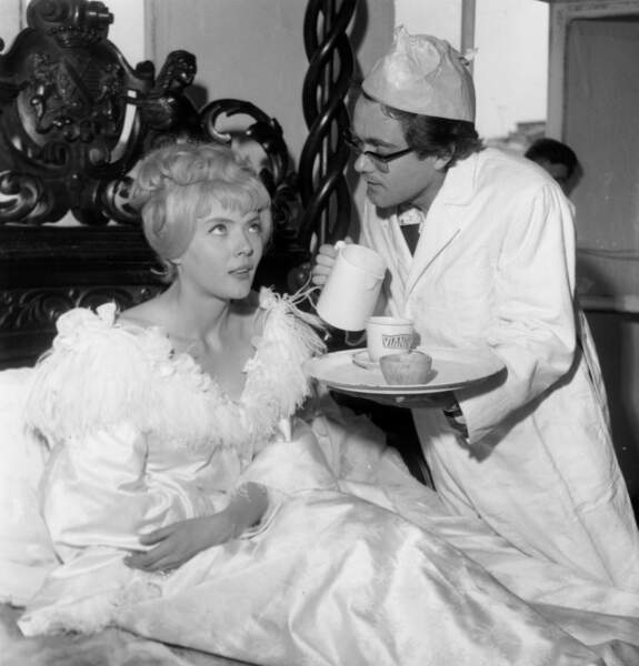 Corinne Marchand et Michel Legrand sur le tournage de Cleo de 5 à 7 en 1961