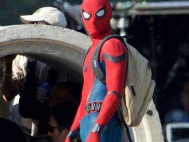 Spider-Man Homecoming : les premières photos de Tom Holland en costume sur le tournage !