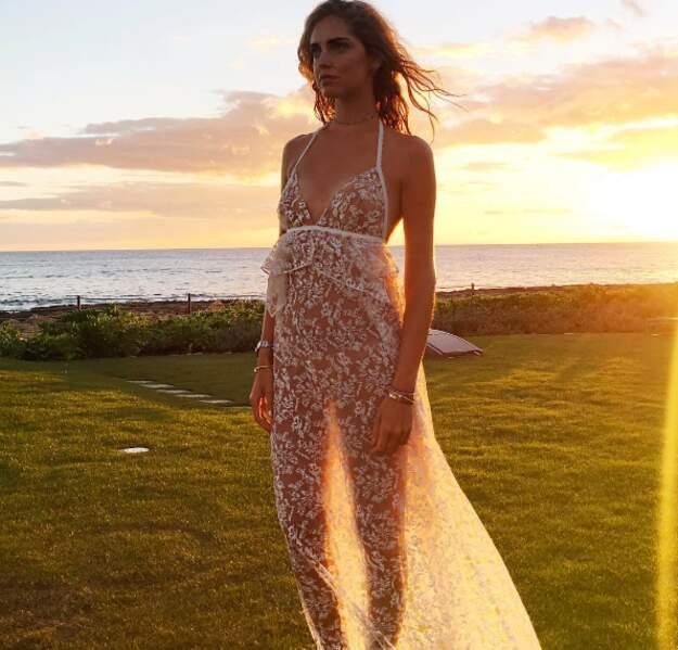 Et 100% dentelle pour la blogueuse Chiara Ferragni à Hawaii.