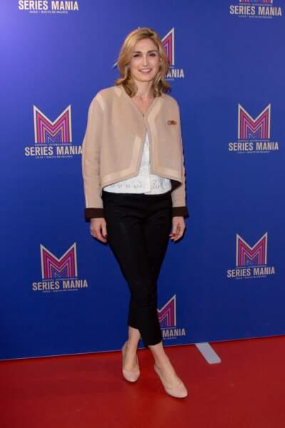Julie Gayet est venue présenter sa nouvelle série Soupçons, sur France 3