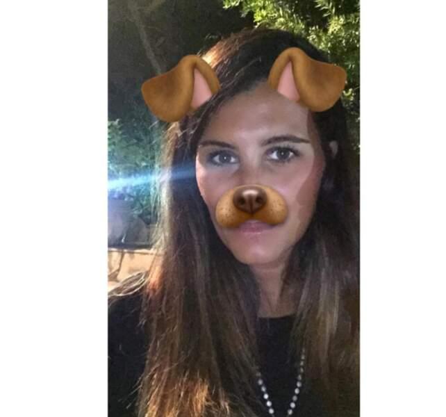 Salut les amigos ! Mais quelle blagueuse ! Non ce n'est pas un chien, mais Karine Ferri.