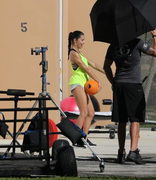 Adriana Lima, prochaine star du basketball ?