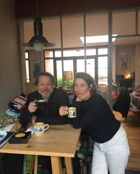 Un petit café ? C'est Mathieu Amalric et Emmanuelle Devos qui régalent.