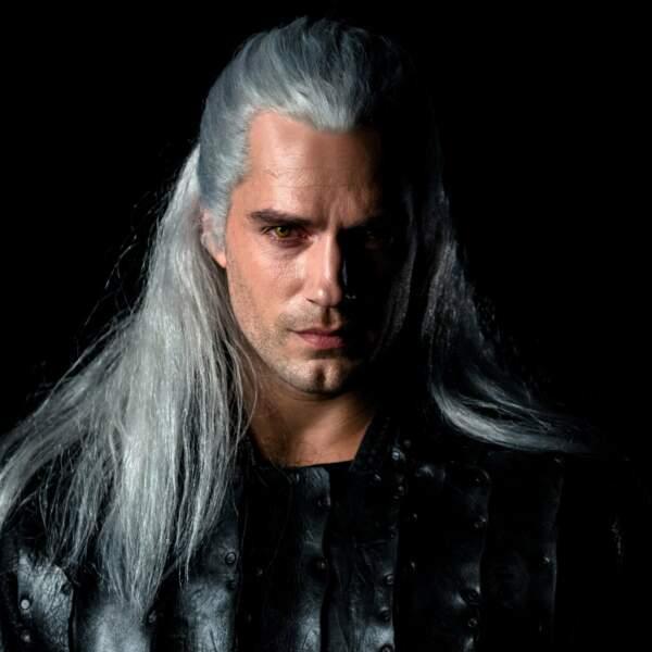"""Pour """"The Witcher"""" (Netflix), Henry Cavill a troqué sa cape de Superman pour le costume d'un sorcier."""