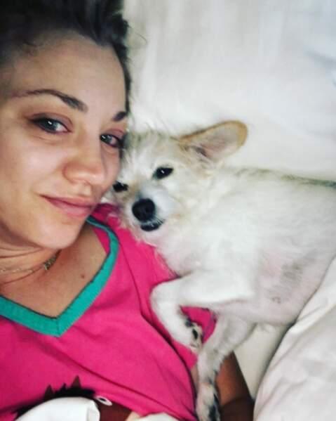 Sans maquillage, dans son lit, sur Instagram. Euh...ouille ?