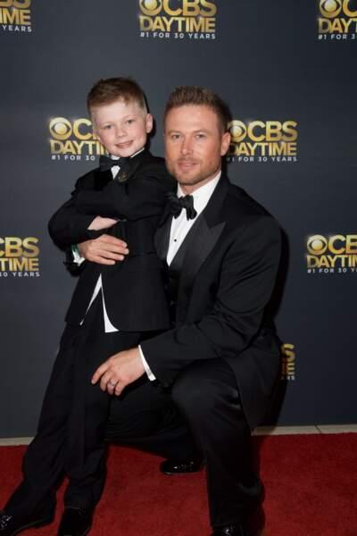 En 2017, c'est Jacob qui joue le protecteur avec son fils Luke