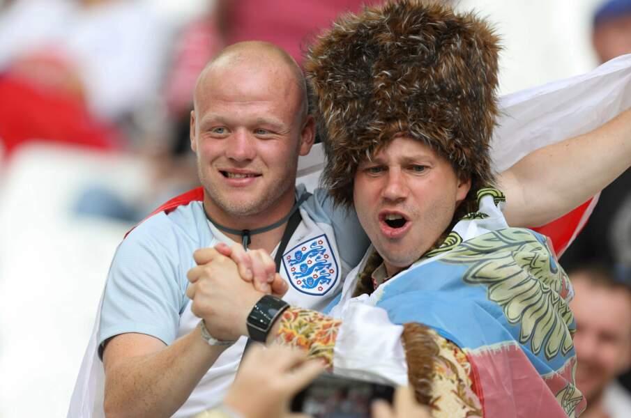 La preuve que les supporters anglais et russes peuvent s'entendre