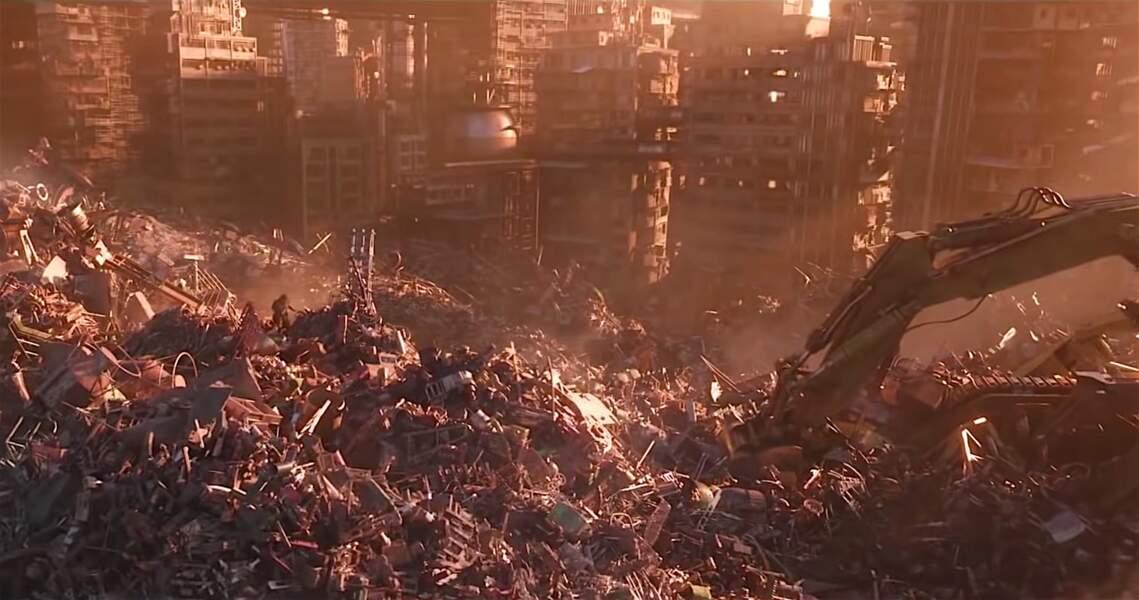 ... survolant une planète devenue une décharge et fréquentée par des machines.