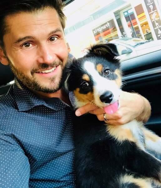 Christophe Beaugrand avec son nouveau chien : Madame