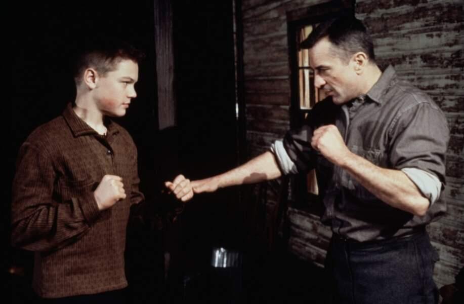 En 1993, le petit blondinet donne la réplique à un monstre du cinéma : Robert De Niro