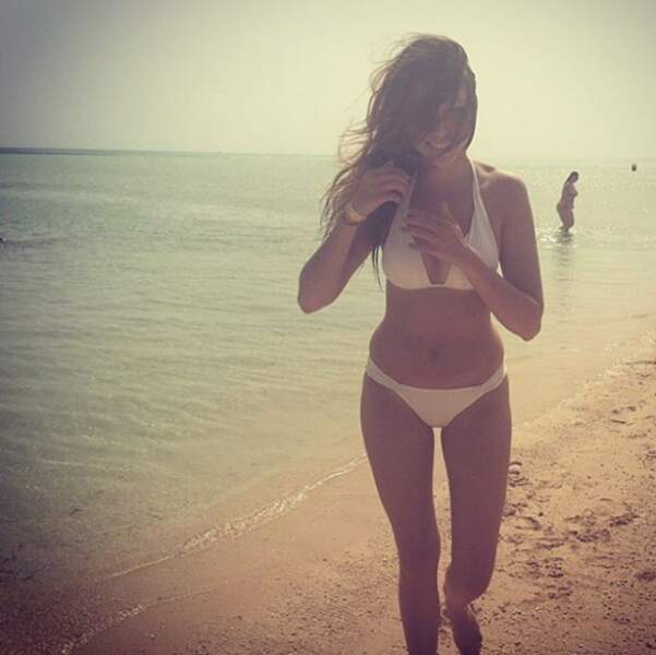 Delphine Wespiser, canon en bikini...