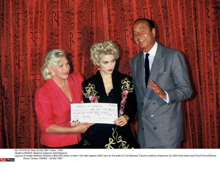 ... Son amie Line Renaud et Madonna qui offre un don de 45000 $ pour lutter contre le Sida
