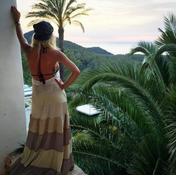 Voici d'ailleurs la vue depuis la chambre de Rita Ora sur l'île.