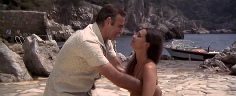 Les Diamants sont éternels (1971) : Denise Perrier et Sean Connery