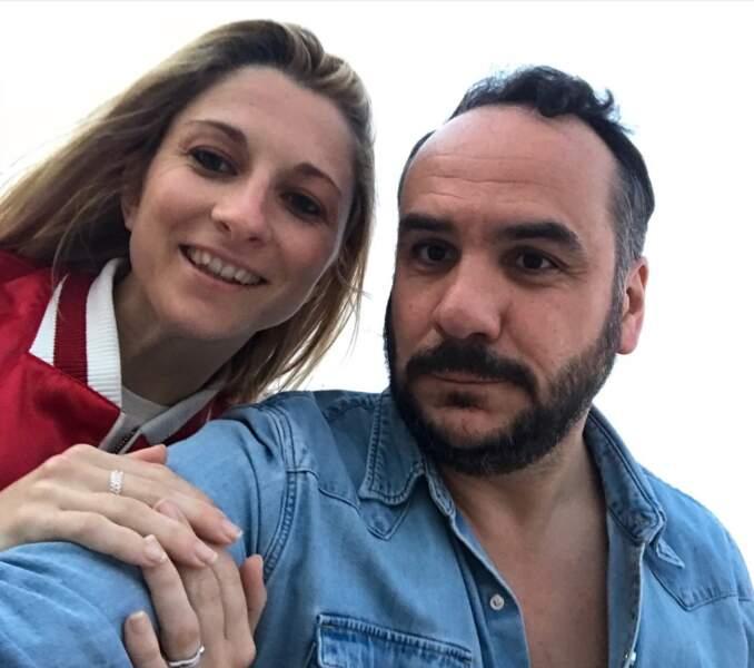 Selfie de couple pour François-Xavier Demaison et sa femme Anaïs.