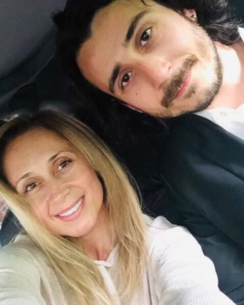 Selfie en amoureux pour Lara Fabian et son mari Gabriel.