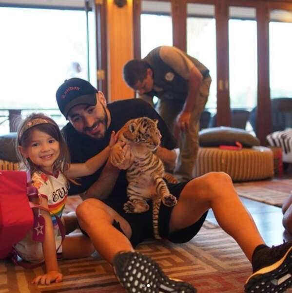 Karim Benzema est un papa comblé avec sa fille Mélia, une vraie petite tigresse !