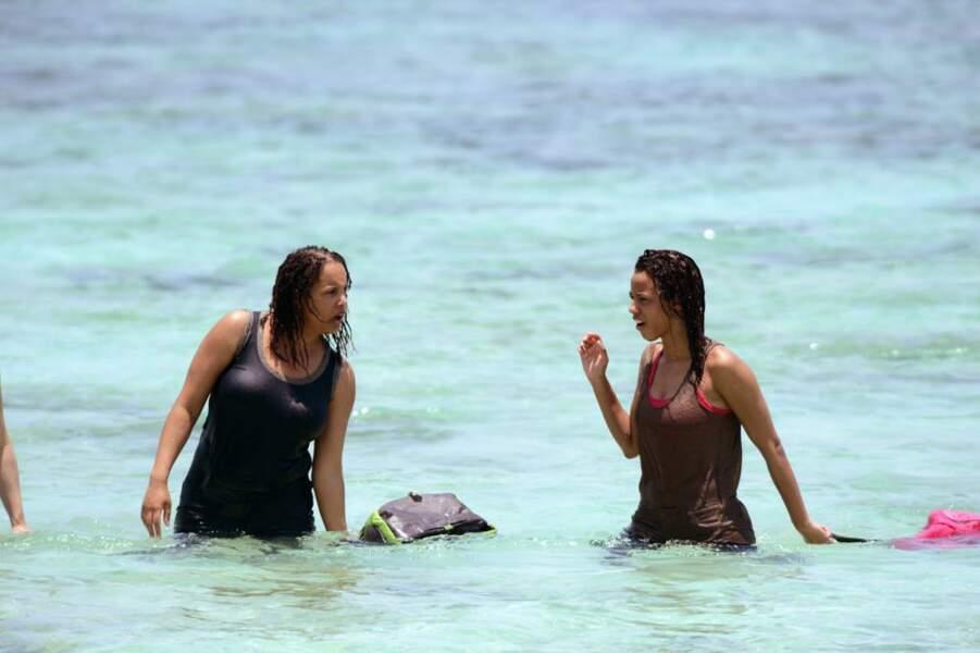 Elodie et Marylou se retrouvent dans l'eau