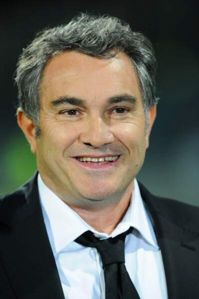 Il commente aujourd'hui les matches de l'OM sur OM TV et est consultant pour M6