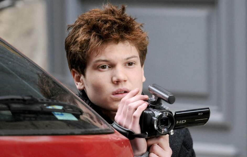 Antoine Ferey (Tim) a incarné le frère d'Olivia dans La Vengeance aux yeux clairs, et joué dans Scènes de ménage