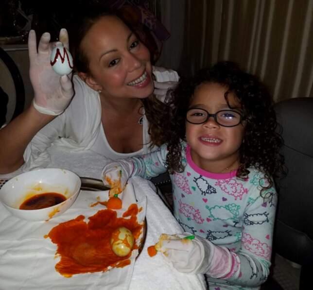 Atelier oeufs pour Mariah Carey et ses enfants.