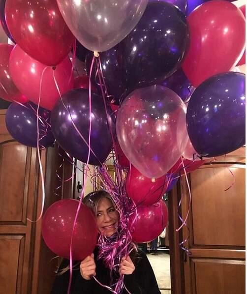 50 ballons pour 50 bougies... Encore bon anniversaire, Jennifer !