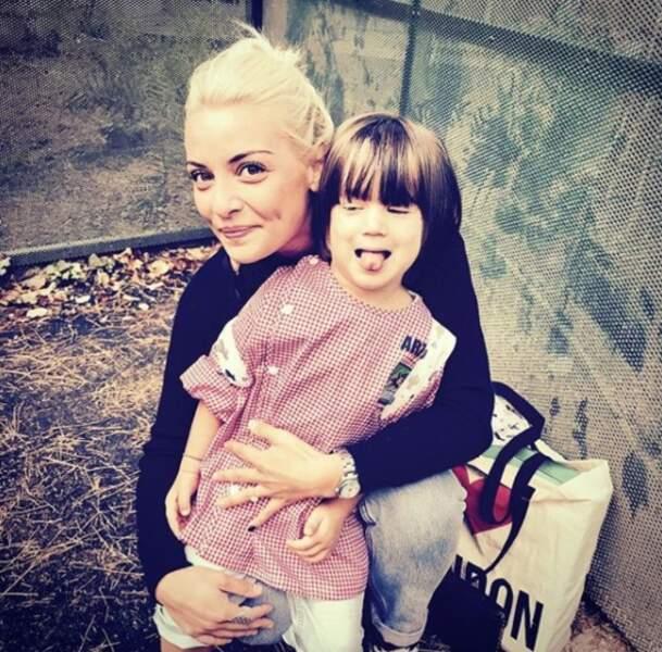 Priscilla Betti passe du bon temps avec son neveu... trop mignon le petit Arthur !