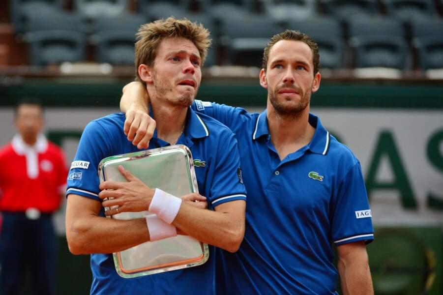 Nicolas Mahut est inconsolable, même dans les bras de Michael Llodra