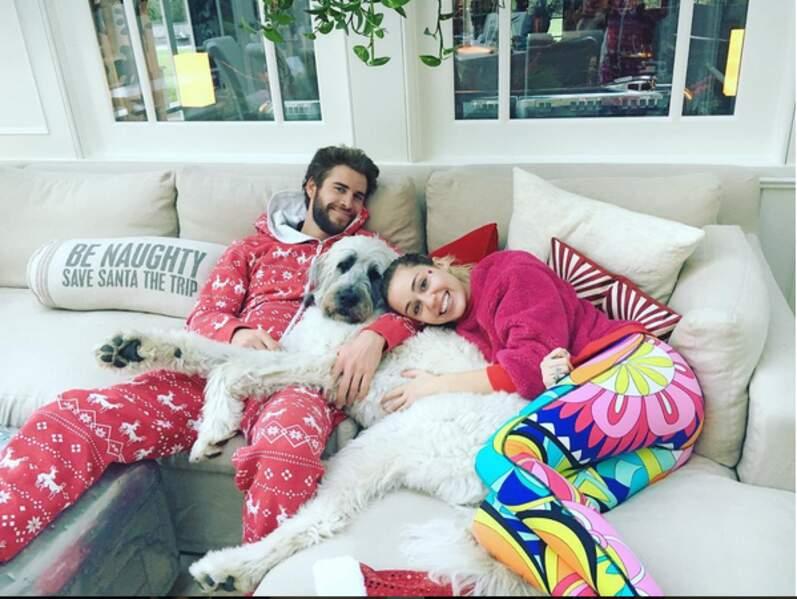 Liam Hemsworth et Miley Cyrus étaient trop mignons en pyjama de Noël