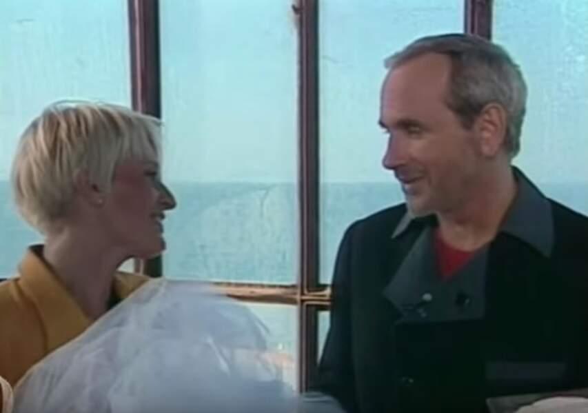 Entre 1990 et 1992, elle co-anime Fort Boyard avec Patrice Laffont