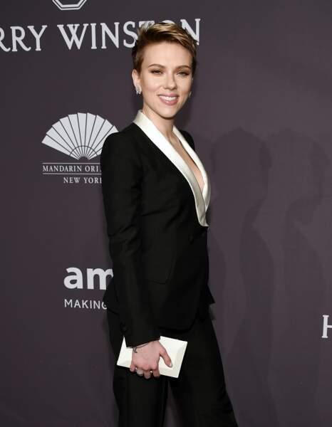 Scarlett Johansson aussi, avec Custom of the Country, sur l'ascension d'une femme dans la société new-yorkaise.