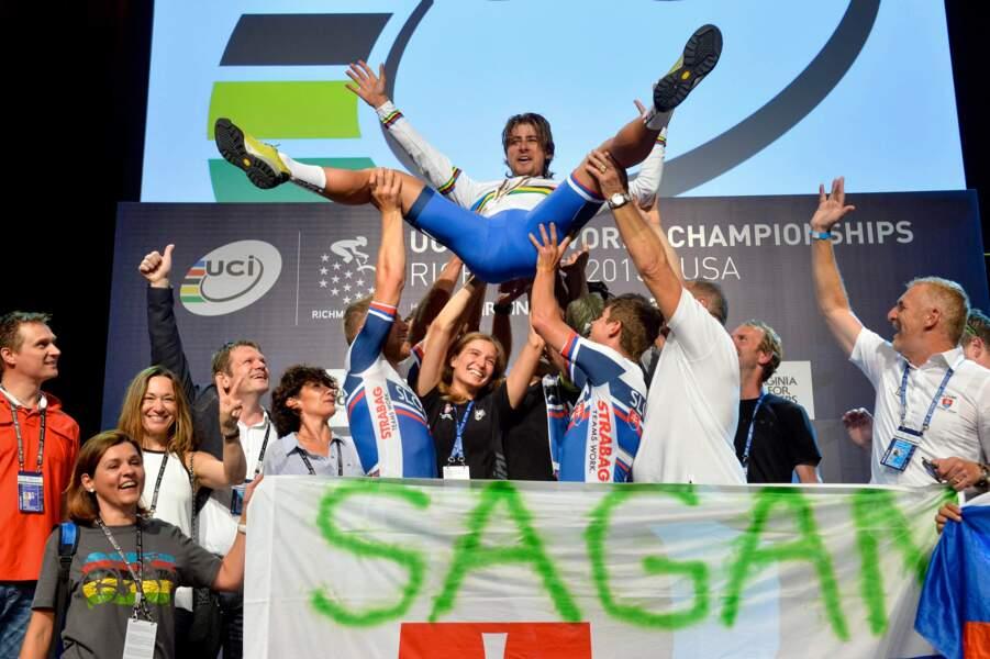 27 septembre, On est tous complètement dingue de Peter Sagan, même ses adversaires ! Quel beau champion du monde !