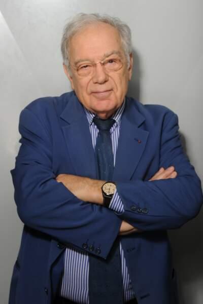Michel Chevalet a lui aussi 80 ans et n'a jamais raccroché. Il est le chroniqueur scientifique de CNews