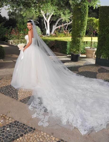 Kim Kardashian sait montrer ses atouts, comme dans cette robe pour ses noces avec Kris Humphries en 2011