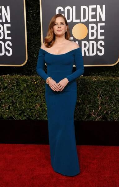 Amy Adams a fait sobre ! Une robe stricte et droite !