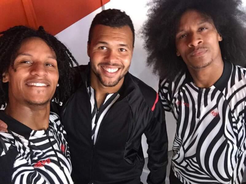 Tsonga bizute ses copains avec son maillot zébré