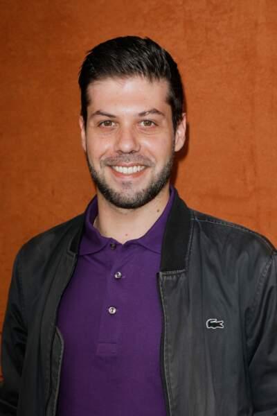 Julien Pasquet, journaliste sportif au groupe Canal +, tout sourire
