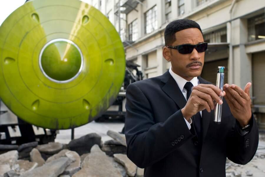 2011. L'acteur rechausse les lunettes noires dans Men in Black 3
