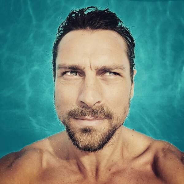 Cyril Garnier (Thomas Delcourt) a choisi l'option piscine