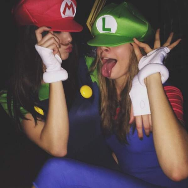 Avec sa copine de podium Kendall Jenner, en Mario et Luigi