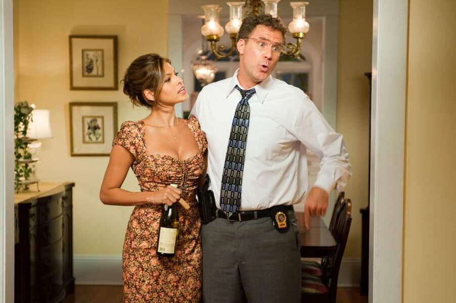 Alors que son futur compagnon s'apprête à vivre une année intense, Eva Mendes se marre dans Very Bad Cops (2010)