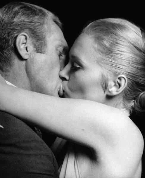 Sorti en 1968, L'Affaire Thomas Crown mettait en scène Steve McQueen et Faye Dunaway