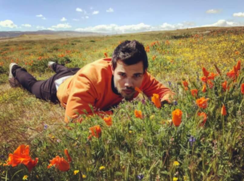 Avec ce temps, on rêve de faire communion avec la nature, comme Taylor Lautner.
