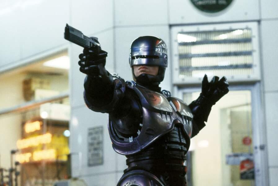 Mi-robot, mi-humain, Robocop (1987) a tout du flic parfait !
